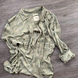 "AE Camo ""Boyfriend Fit"" Buttoned Shirt"
